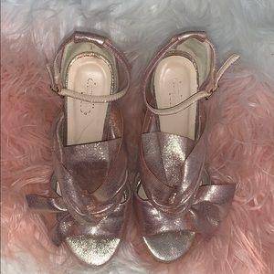 Champagne 🍾 rose open toe heels 🎀